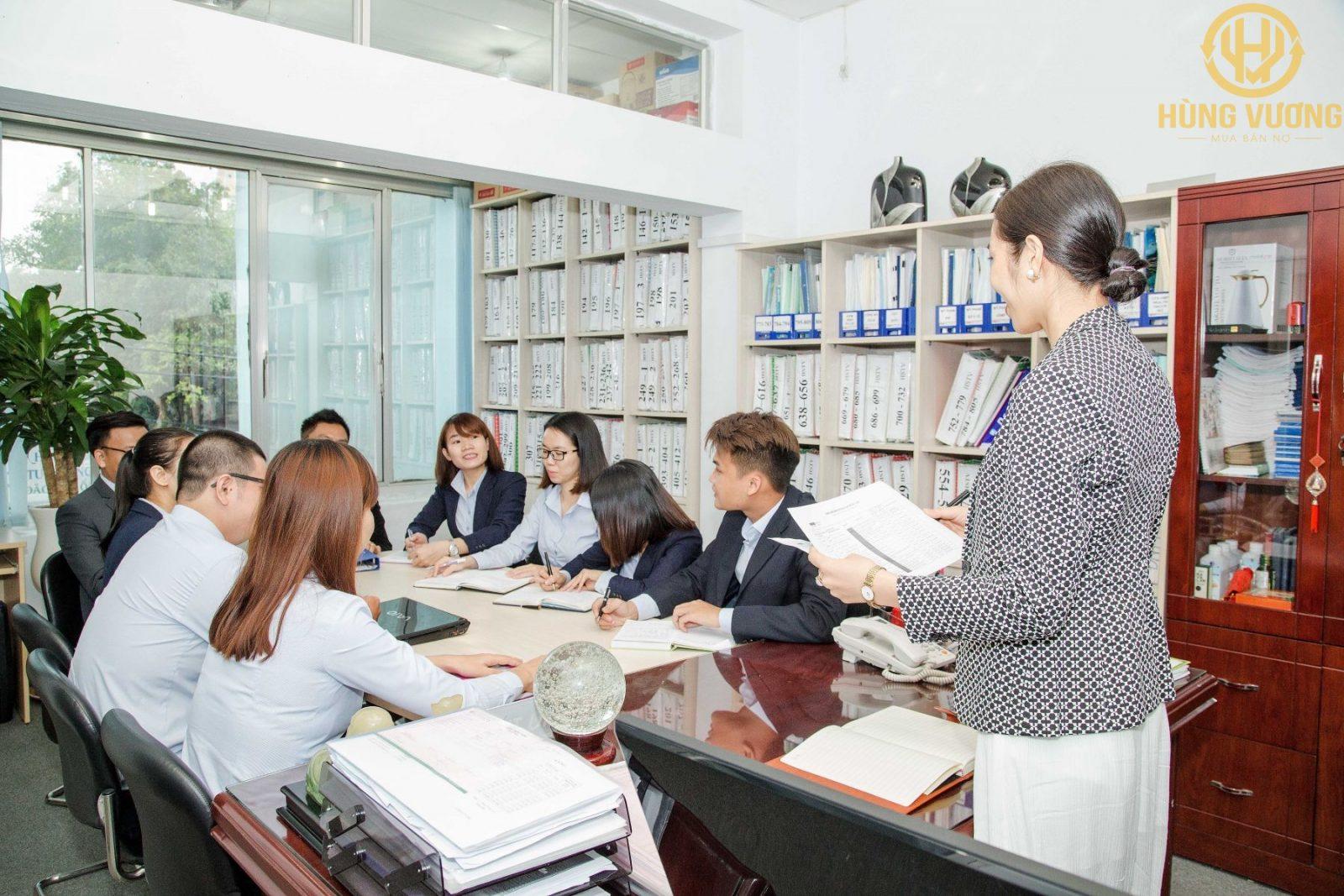 Mua bán nợ là gì? Một số điều kiện đối với doanh nghiệp thực hiện hoạt động mua bán nợ và liên quan .